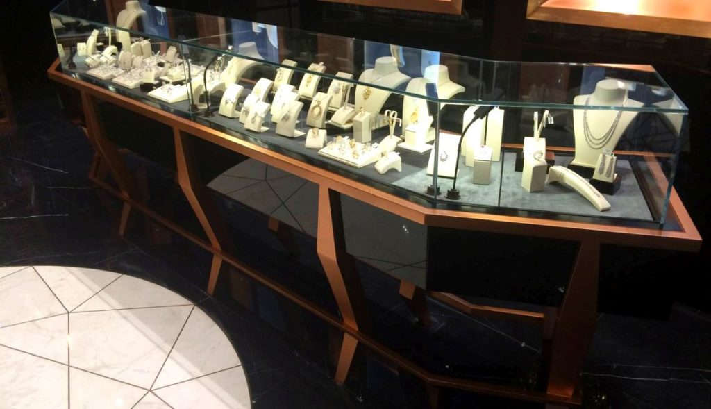 Al-Othman Jewelry Interior 4