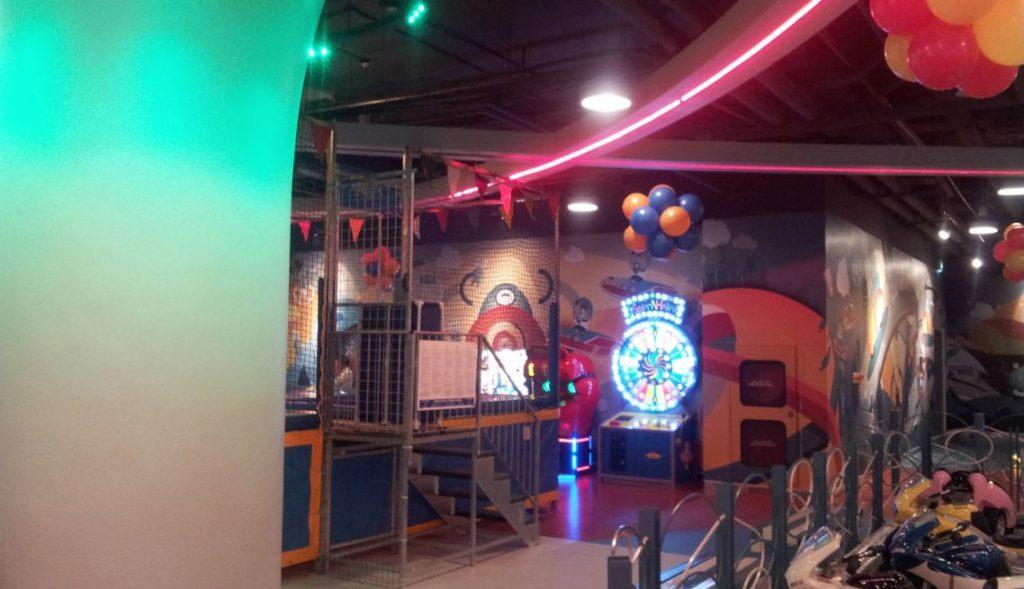 Cozmo Sama Mall Interior 4