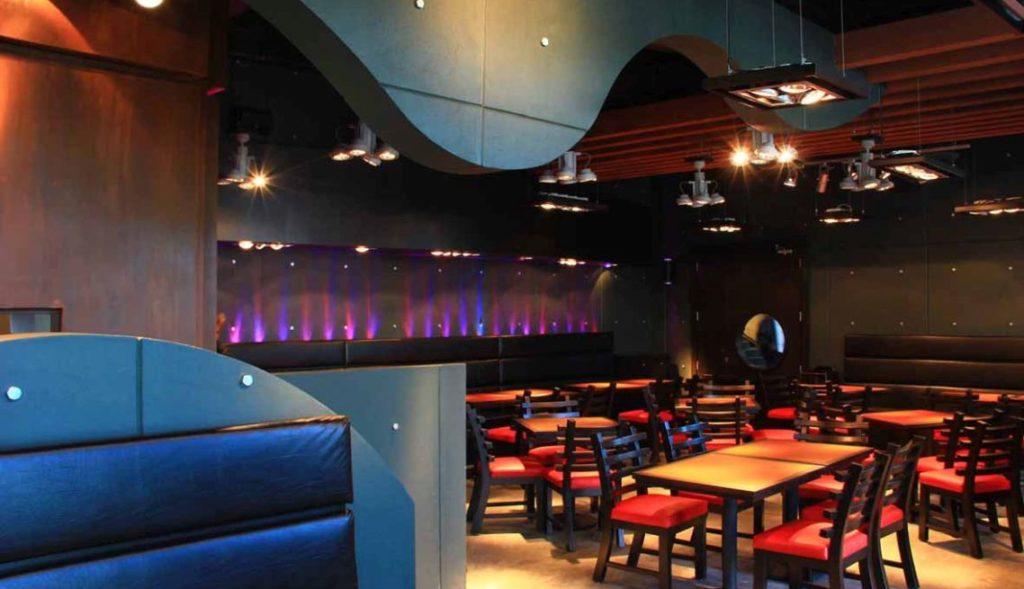 Zee Burger The Palms Hotel Interior 1