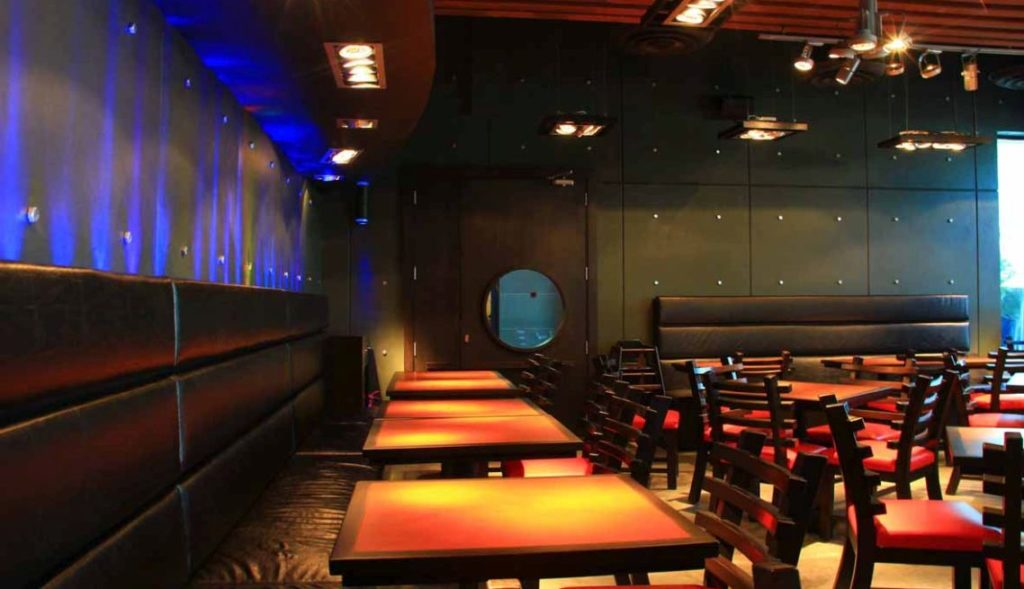 Zee Burger The Palms Hotel Interior 2