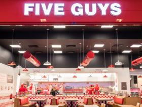 Five-Guys-Restaurant-Salmiya-1